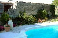 Village_house in France, Aulnay: Pool & Garden