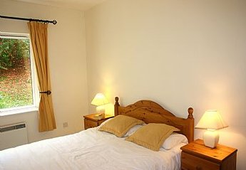 Apartment in Ireland, West Cork: Bedroom 1