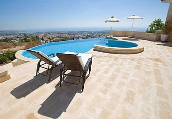2 bedroom Apartment for rent in Peyia