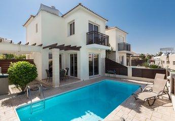 Villa in Cyprus, Penera: Villa Iris