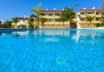 2 bedroom Apartment for rent in Nissi Beach