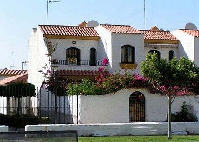 House in Spain, Urbanización Roquetas de Mar: Town house close to resturants  bars and beach