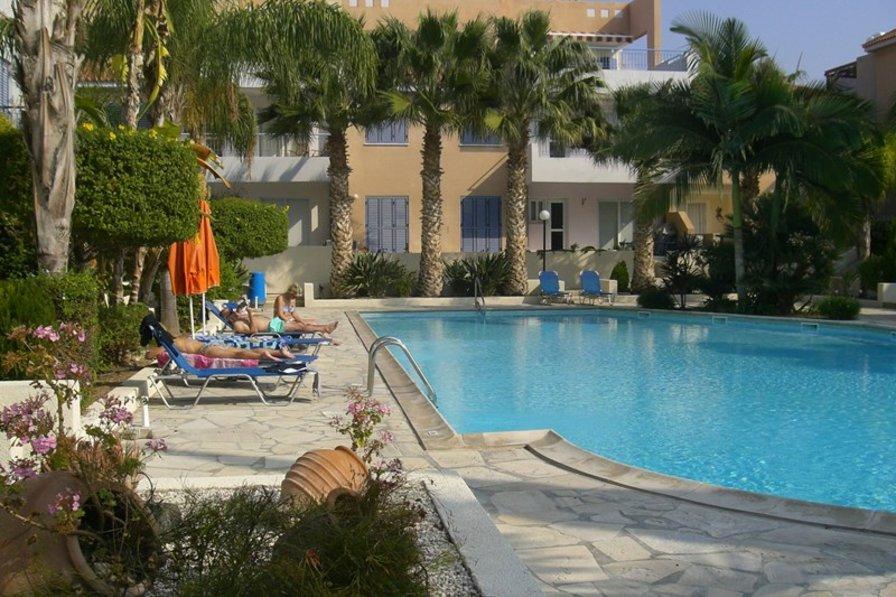 Villa in Cyprus, Universal: Pool View