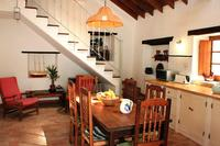Village_house in Portugal, Figueira: Spacious kitchen / dining room with cosy seating area