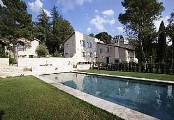 10 bedroom Cottage for rent in Spoleto
