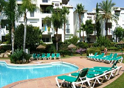 Apartment in Spain, Costalita: Swimming pool and garden area