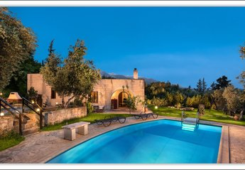 2 bedroom Villa for rent in Apokoronas