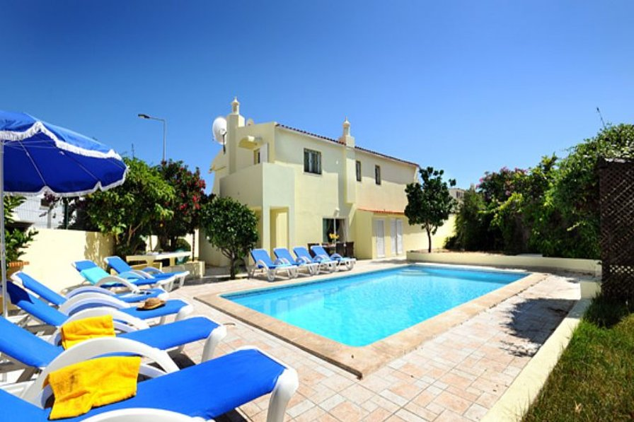 Villa To Rent In Albufeira Algarve With Private Pool 77296