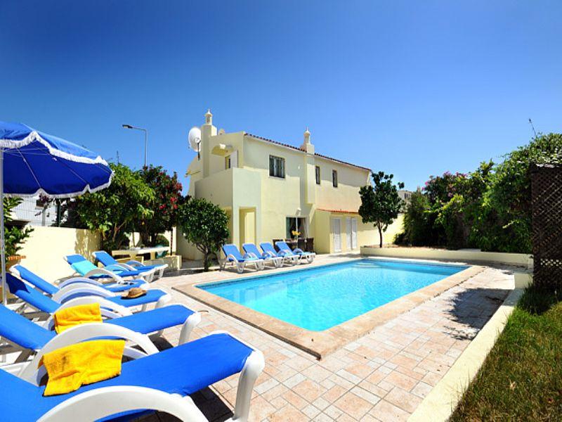 Villa in Portugal, Oura: Villa Teresa with private pool