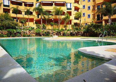 Apartment in Spain, San Pedro de Alcantara: Swimming pool with children's area