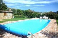 Villa in Italy, Cortona: Pool nestled in grounds of the olive grove
