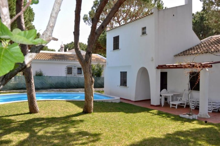 Owners abroad Small villa within walking distance to centre (Villa Poeta)