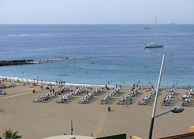 Apartment in Spain, Los Cristianos: Great view of the beach from the balcony