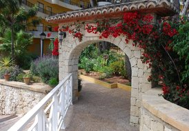 Moraira Apartment Refurbished free WiFi Best Suited to Couples