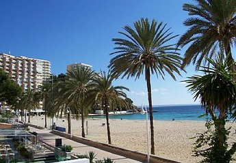 Apartment in Spain, Palma Nova: Magalluf beach