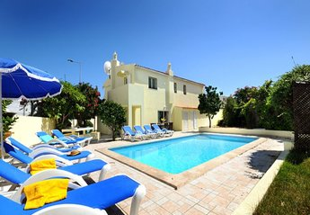 13 bedroom Villa for rent in Albufeira