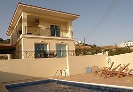Luxury 3 Bedroom Villa with Pool