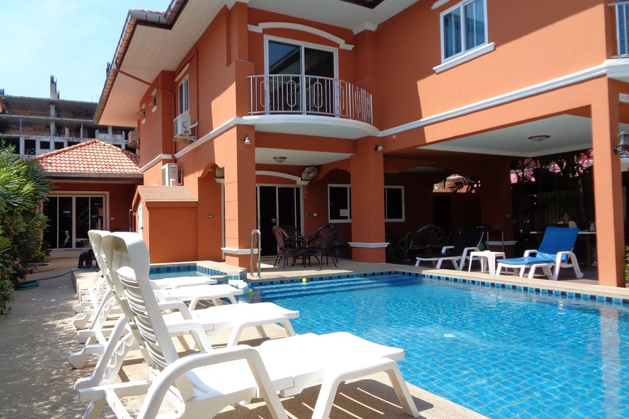 5 Bedroom Villla with Private Pool Walking Street 10 Minutes Away