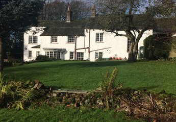 Cottage in United Kingdom, Cumbria - Lake District: House & Extensive garden with Hot Tub, Hammock..