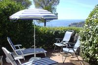 Villa in France, Cannes: Sun all day on the decks, perfect sunbathing