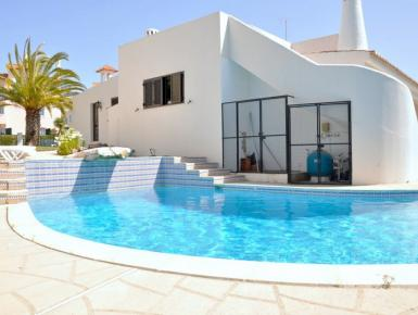 Old Village Area And Close To All Amenities (Villa Domingos)
