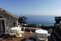 Villa in Italy, Acireale: the terrace and sea view