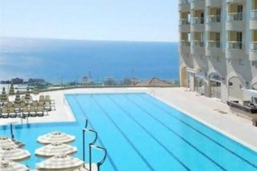 Apartment in Turkey, Alanya: Olympic sized pool, with water slides