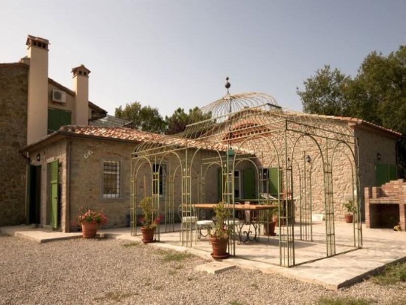 Villa in Italy, Pietraia: Gazebo outside kitchen