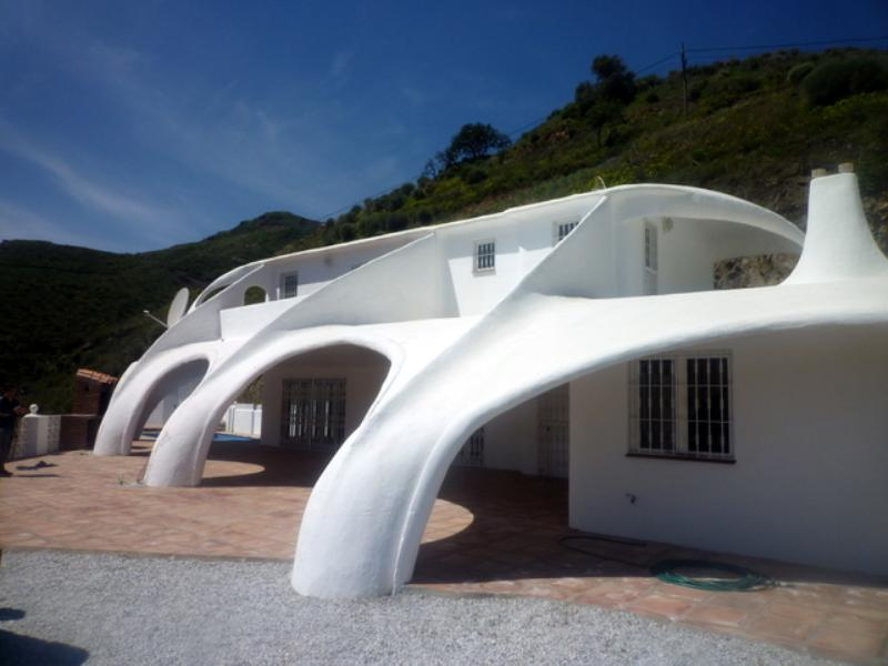 Villa in Spain, Velez Malaga: Unique Spray Concrete Construction