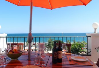 Penthouse Apartment in Spain, Burriana Beach: Dine Al Fresco looking out at Panoramic Sea Views