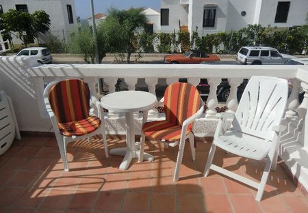 Studio Apartment in Oasis del Sur, Tenerife: Lovely sunny balcony