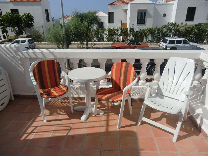 Studio apartment in Spain, Oasis del Sur: Lovely sunny balcony