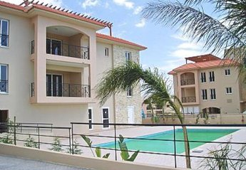 2 bedroom Apartment for rent in Mazotos