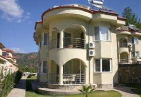 Lakeside Villa 24
