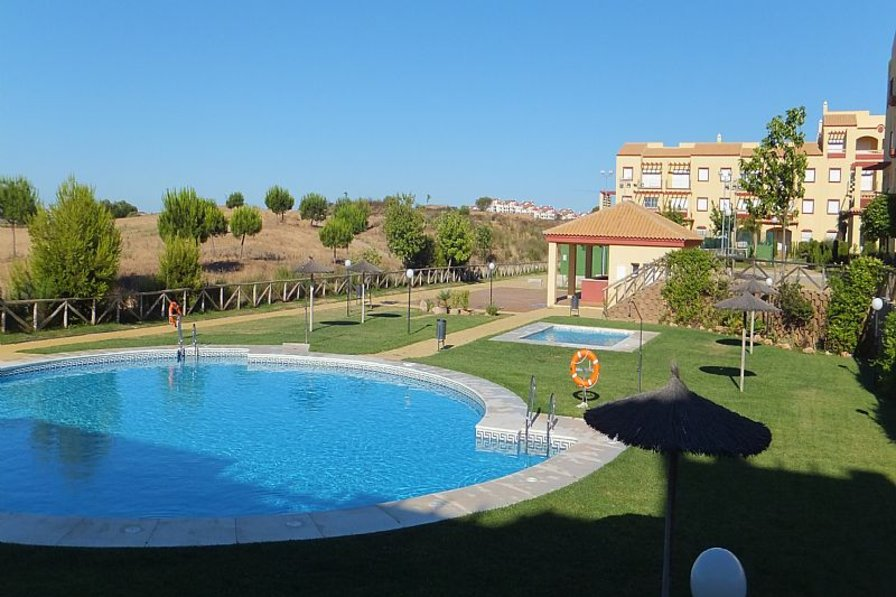 Apartment in Spain, Ayamonte: Pool view (early morning)