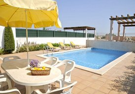 Luxury 3 bedroom pool villa (Pinhal 1)
