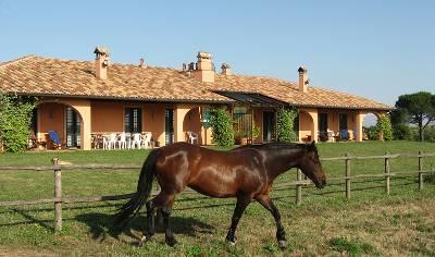 Villa in Italy, Lazio: front