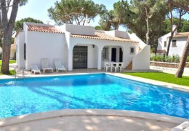 4 bedroom pool villa close to all amenities (Villa Vistagolfe)