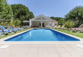 4 bedroom Villa for rent in Quinta do Conde