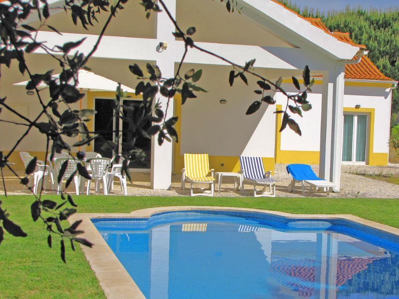 Villa in Portugal, Azeitao: Garden, swimming pool & terrace