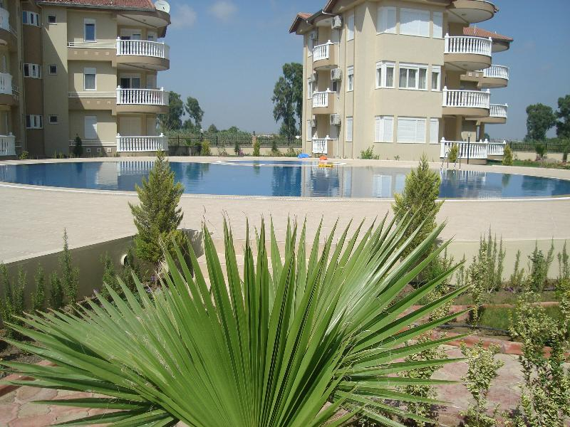 Apartment in Turkey, Belek: View from our balcony to the swimming pool