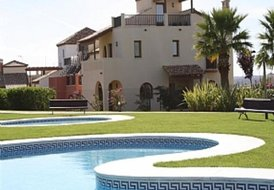 Villa in Ayamonte, Spain: House and pool area
