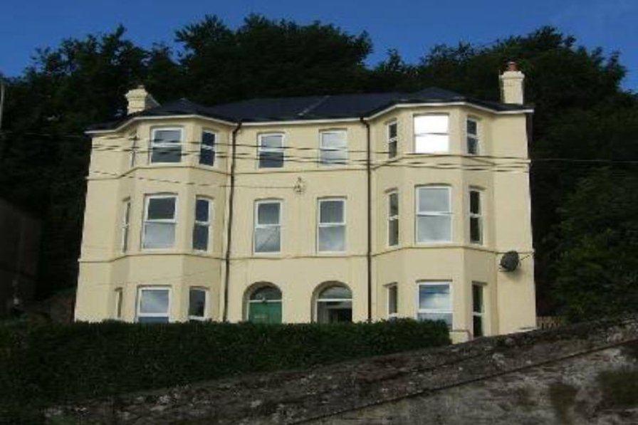 4 Clifton - overlooking the sea in Cork