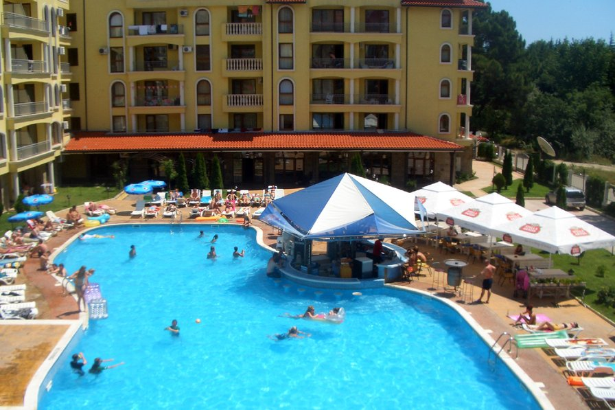 Apartment to rent in sunny beach bulgaria with pool 79897 - Sunny beach pools ...