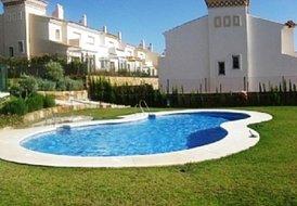 Spacious Duquesa townhouse, Malaga