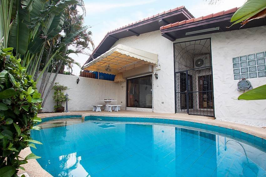 Owners abroad Nai Mueang Noi | 2 Bed Pool Villa Convenient Located in Pattaya C