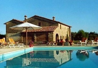 4 bedroom Farmhouse for rent in Anghiari