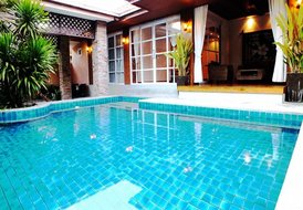 Villa in Jomtien, Pattaya: 4 Bedroom Villa with Private Pool & Great Waterfall Feature