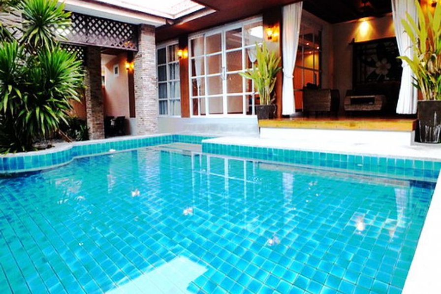 Villa in Thailand, Jomtien: 4 Bedroom Villa with Private Pool & Great Waterfall Feature