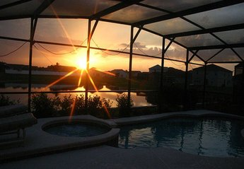 Villa in USA, Liberty Village: A beautiful sun set over the Pool Deck is a common feature!